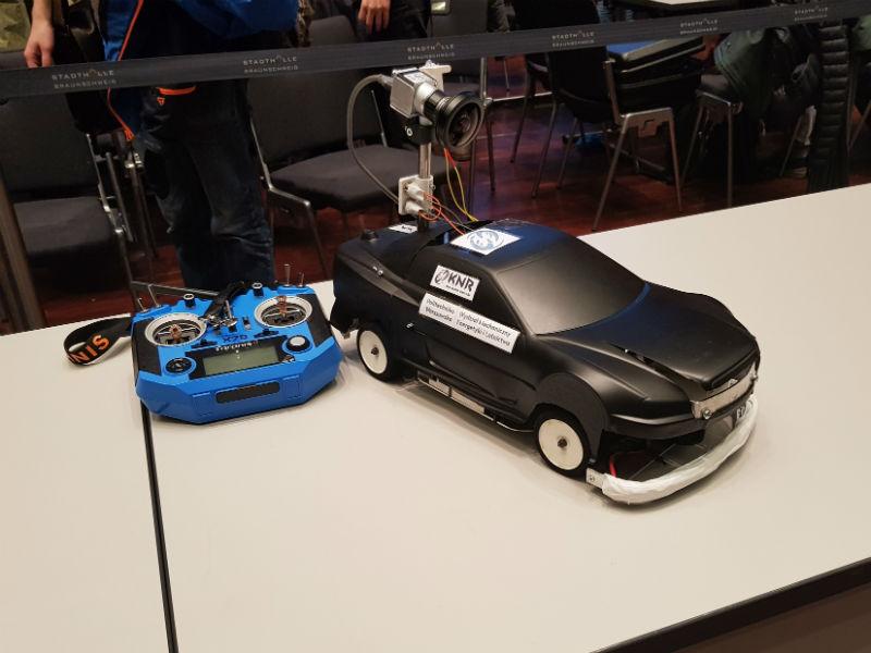 Samochód autonomiczny Selfie na zawodach Carolo Cup 2019